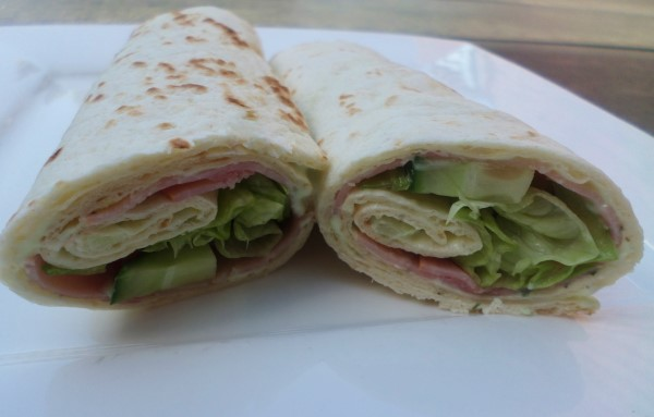 4x de lekkerste wraps, lekkere koude wraps, makkelijke wraps met ham, Heksenkaas, komkommer en ijsbergsla