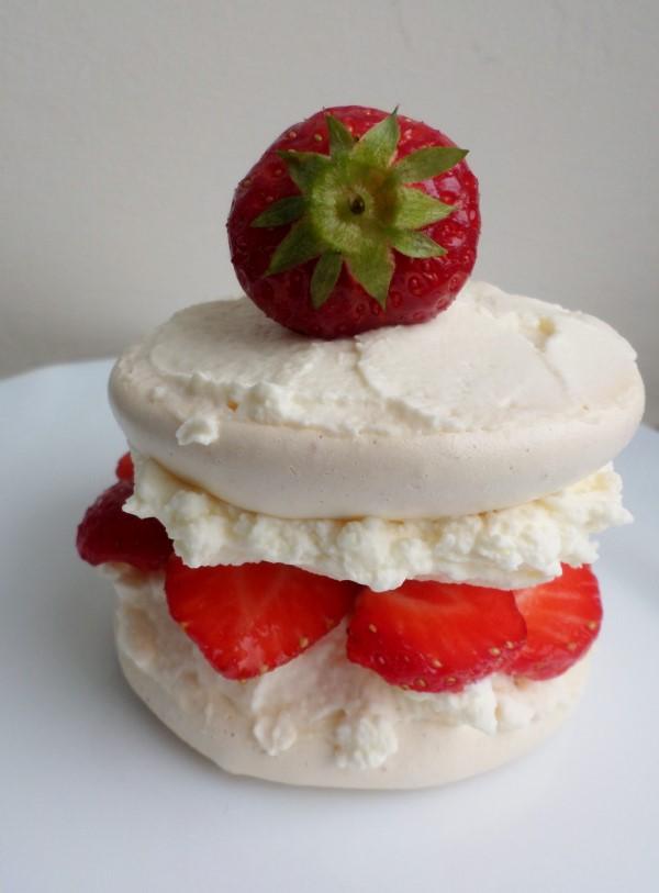 Aardbeien-meringue-gebakjes, recept, zomer