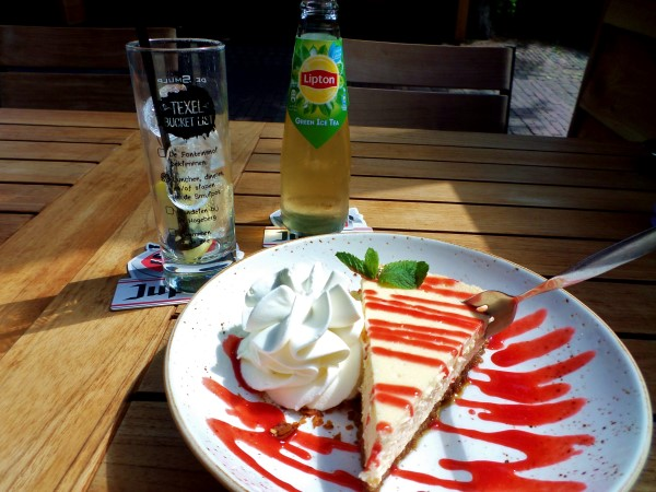 Lemon cheesecake bij De Smulpot Den Burg, Texel, uit eten