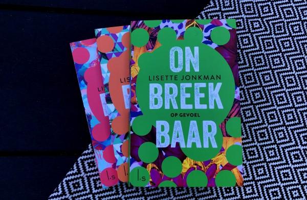 Recensie Onbreekbaar-serie Lisette Jonkman, serie over Abby en Ferdi Verkikkerd, Buren with benefits, Onbegrensde Liefde, Op gevoel