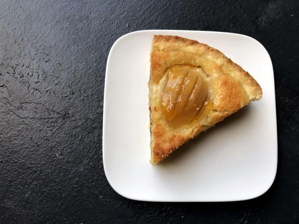 Recept perentaart met spijs, taart met stoofpeertjes en amandelspijs