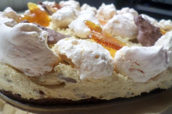 Recept voor Valentijnstaart met karamel zeezout chocola, cookie dough , brownie en meringue