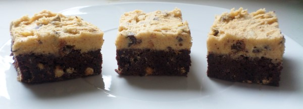 Recept voor cookie dough-brownies met chocolade-chunks, bakken, koken