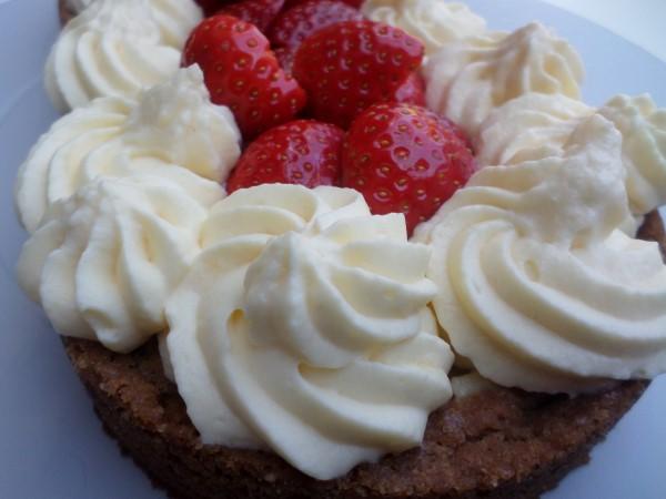 Toeven spuiten voor beginners, toefjes op taart spuiten met spuitzak, cupcake toeven maken