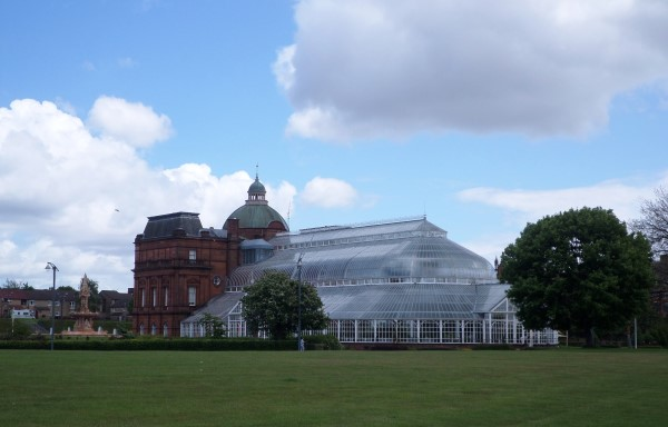 Wat te doen in Glasgow, stadswandeling met bezienswaardigheden, Glasgow Green, The People's Palace, Winter Garden