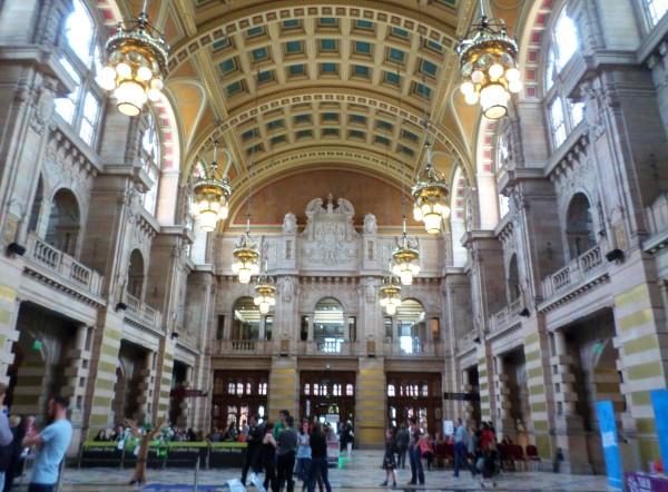 Wat te doen in Glasgow, stadswandeling met bezienswaardigheden, Kelvingrove Art Gallery and Museum