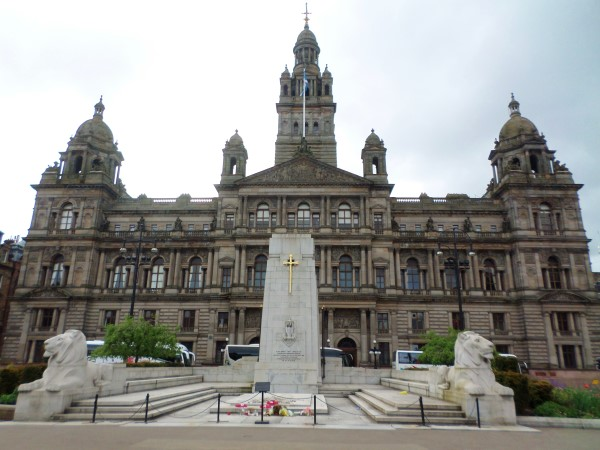 Wat te doen in Glasgow, stadswandeling met bezienswaardigheden, George Square, City Chambers