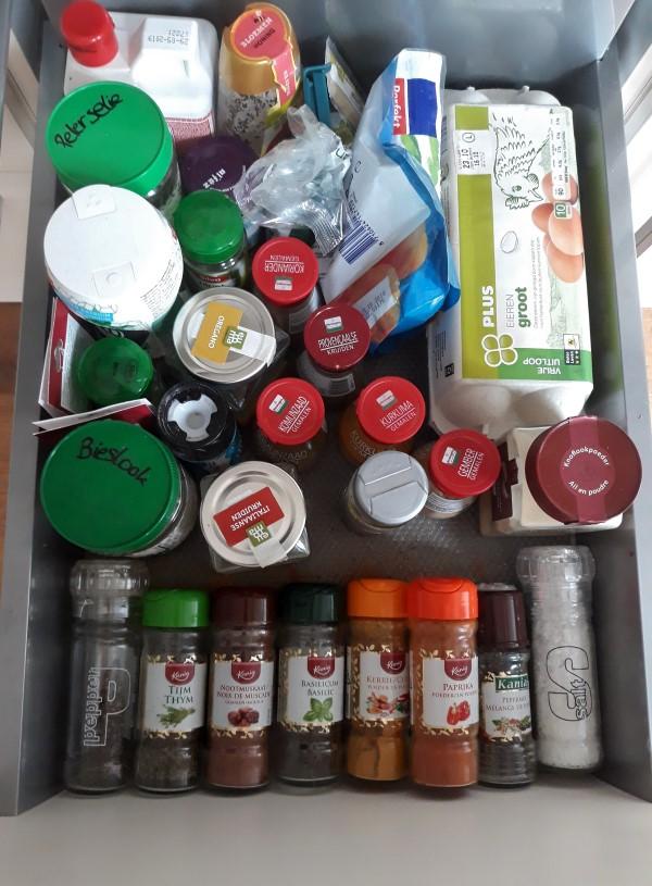 Wat zit er in mijn kruidenla? Standaardvoorraad kruiden - welke kruiden moet je in huis hebben?
