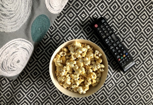 Beeldbank popcorn tv film afstandsbediening